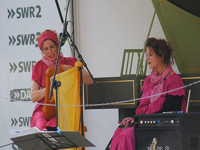Nana Avingarde und Susanna Rosea