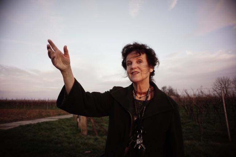 Nana Avingarde - Autorin, Märchenerzählerin, Künstlerin - Die Märchenerzählerin lebt in der Pfalz. Sie erzählt Märchen in Karlsruhe, Baden-Württemberg und Rheinland-Pfalz.