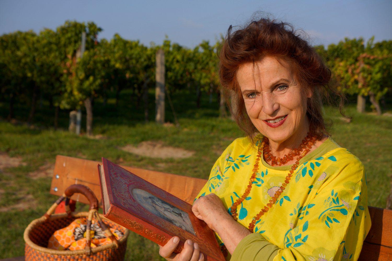 Märchenerzählerin Nana Avingarde